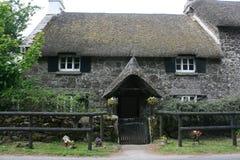 Het geliefd maken Engels met stro bedekt plattelandshuisje Royalty-vrije Stock Afbeelding
