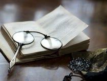 Het gelijk maken met oude poëzie royalty-vrije stock foto's