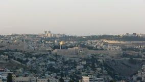 Het gelijk maken van schot van Jeruzalem van haaspromenade stock footage