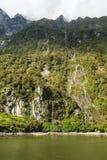 Het Geluid van Milford, Nieuw Zeeland stock afbeeldingen