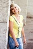 Het gelukkige blonde vrouw Glimlachen Stock Afbeelding
