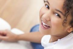 Het gelukkige Gemengde Kind van het Ras Afrikaanse Amerikaanse Meisje royalty-vrije stock foto's