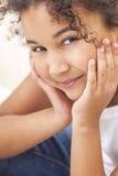 Het gelukkige Gemengde Kind van het Ras Afrikaanse Amerikaanse Meisje stock fotografie