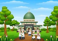 Het gelukkige jonge geitjesbeeldverhaal viert eid Mubarak in het park met moskee royalty-vrije illustratie
