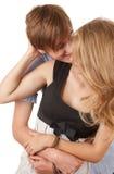 Het gelukkige jonge het houden van paar omhelzen Stock Afbeeldingen