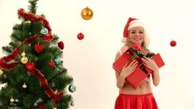 Het gelukkige Jonge Meisje met stelt Status bij Nieuw voor stock videobeelden