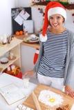 Het gelukkige jonge vrouw gelukkig glimlachen hebbend pret met Royalty-vrije Stock Foto