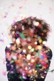 Het gelukkige jonge vrouw vieren Royalty-vrije Stock Foto's