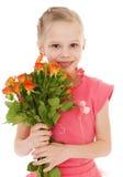 Het gelukkige meisje met nam in rode kleren toe Stock Foto's
