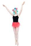 Het gelukkige Meisje met Wapens omhoog in Ballet stelt Royalty-vrije Stock Foto's