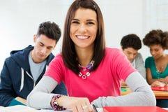 Het gelukkige Meisje van de Student royalty-vrije stock foto
