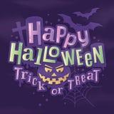 Het gelukkige modieuze van letters voorzien van Halloween met eng pompoengezicht, knuppels, spiderweb en grafsteen op achtergrond royalty-vrije illustratie