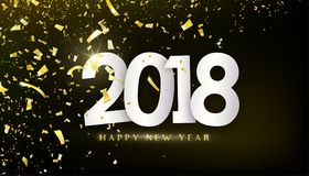 het gelukkige nieuwe jaar van 2018 Gouden confettien, uiterst kleine document stukken op donkere zwarte achtergrond Stock Fotografie