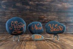 Het gelukkige Nieuwjaar 2017 hand geschreven van letters voorzien Royalty-vrije Stock Foto
