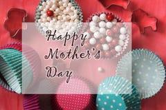 Het gelukkige Ontwerp van de de Groetkaart van de Moeder` s Dag Stock Foto's