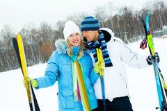 Het gelukkige paar skiån Royalty-vrije Stock Foto