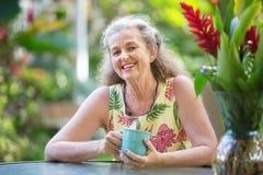 Het gelukkige vrouwelijke glimlachen royalty-vrije stock foto's