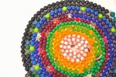 Het gemengde close-up van kleurenparels dat van natuurstenen of glasmarmer wordt gemaakt stock foto's