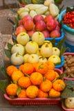 Het gemengde fruit verkoopt. Stock Afbeelding