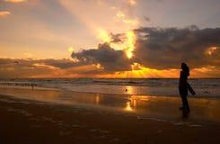 Het genieten van de van zonsondergang stock fotografie