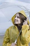 Het genieten van een van regenachtige dag Stock Foto