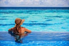 Het genieten van strand van toevlucht Royalty-vrije Stock Foto