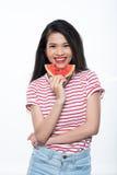 Het genieten van van verse watermeloen royalty-vrije stock foto's