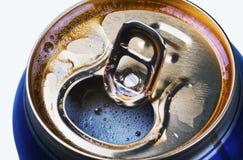 Het geopende bier kan royalty-vrije stock foto's