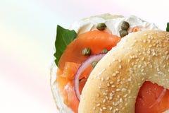 Het gerookte Ongezuurde broodje van de Zalm Stock Afbeeldingen