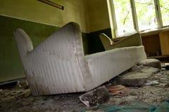 Het geruïneerde oude ziekenhuis Royalty-vrije Stock Afbeelding