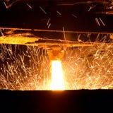 Het gesmolten staal gieten stock foto