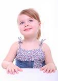 Het geïsoleerdee mooie jonge meisje het denken kijken Royalty-vrije Stock Afbeelding
