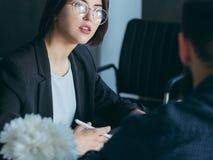 Het gesprek van de de rekruteringsbaan van de personeelsmanager royalty-vrije stock afbeeldingen