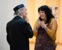 Het gesprek van Nice tussen twee Jiddischzangers Stock Foto
