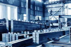 Het gestapelde staal van de staalfabriek stock afbeeldingen