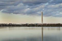 Het getijbekken van Washington Monument Reflecting In The royalty-vrije stock fotografie