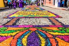 Het geverfte tapijt van de zaagsel Heilige Donderdag, Antigua, Guatemala Royalty-vrije Stock Foto's