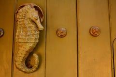 Het gevormde zeepaardje van het metaal kloppers. Zeepaardje Stock Afbeeldingen