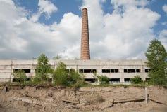 Het geworpen voltooide niet gebouw Stock Foto's