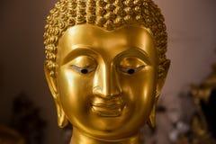 Het gezicht van Boedha Gouden Boedha bij de Tempel van Poramai Yigawat in Nr Royalty-vrije Stock Afbeeldingen