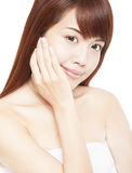 het gezicht van de mooie Aziatische vrouw met hand Royalty-vrije Stock Afbeeldingen
