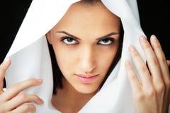 Het gezicht van de vrouw met sluier stock afbeeldingen