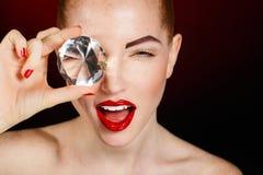 Het Gezicht van het mooie Maniermeisje. Make-up. Samenstelling en Manicure. Nagellak. Schoonheidshuid en Spijkers. Schoonheidssalo royalty-vrije stock foto's