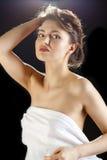Het gezichtsclose-up van de schoonheidsvrouw op zwarte achtergrond wordt geïsoleerd die Royalty-vrije Stock Foto