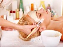 Het gezichtsmasker van de klei in beauty spa. Royalty-vrije Stock Foto