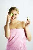 Het gezichtsmasker van de komkommer royalty-vrije stock afbeelding