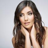 Het gezichtsportret van de schoonheidsstijl van jonge vrouw het kijken kant Stock Foto's