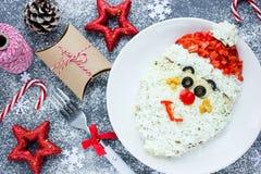 Het gezichtssalade van Kerstmissanta claus voor vakantiediner, Kerstmis Stock Afbeelding