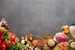 Het gezonde assortiment van het de opbrengsvoedsel van de paleooogst Stock Foto