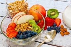 Het gezonde close-up van ontbijtingrediënten vangt royalty-vrije stock foto